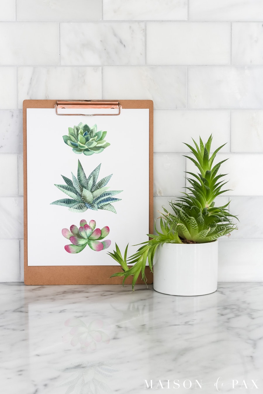 Free succulent printable art: Print this succulent wall art to decorate your space for summer! #freeprintable #printableart #succulent #wallart #succulentart #watercolor #printable #printablewatercolor #summerdecor