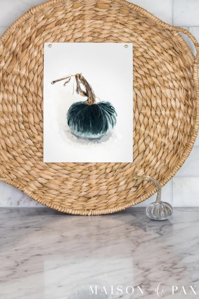 Velvet Pumpkin Painting FREE Download Printable Wall Art: get this and 30 other free fall printables! #fallprintable #fallart #pumpkin #velvetpumpkin #pumpkinprintable #pumpkinart #wallart #falldecor #falldecorating #freeprintable