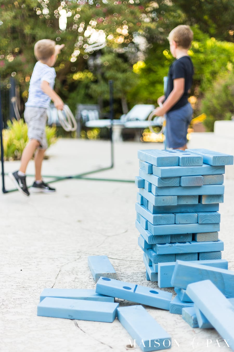 Make giant Jenga with your kids: find this and other family projects plus tips for completing project with kids! #familyfun #familyproject #outdoorgames #kidfriendlyproject #diyproject
