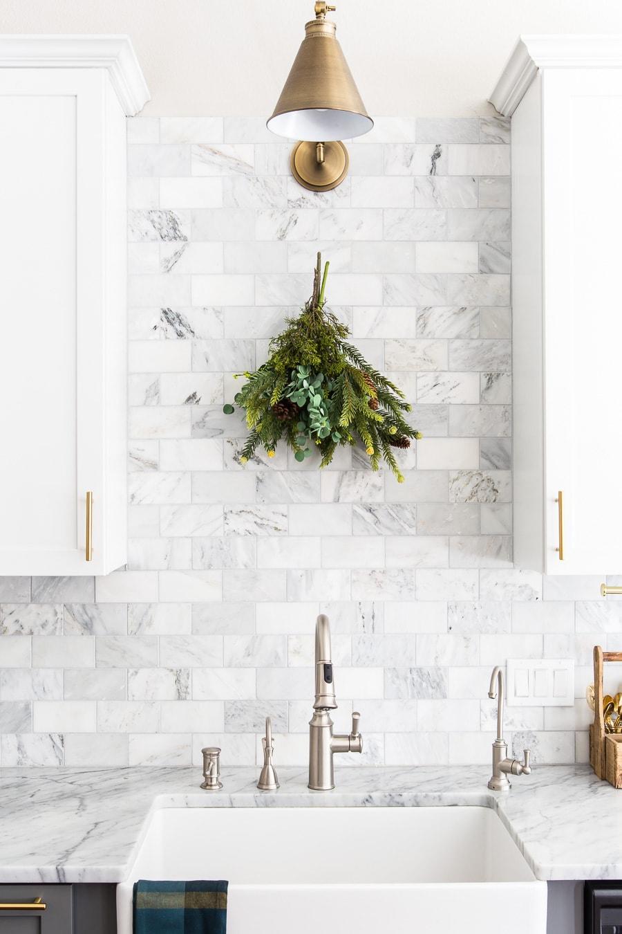farmhouse sink with marble backsplash | Maison de Pax