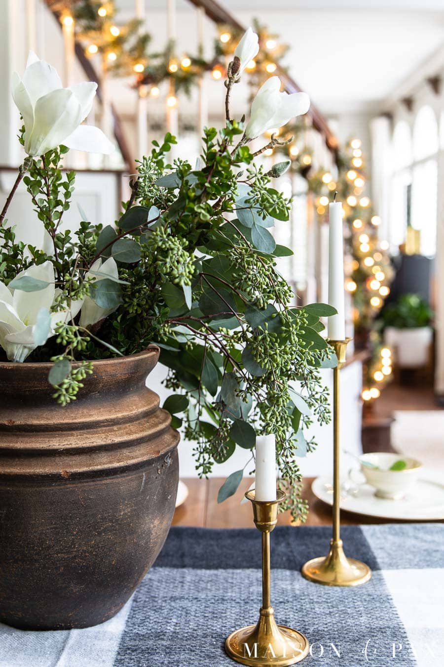green and white holiday centerpiece with christmas lights | Maison de Pax