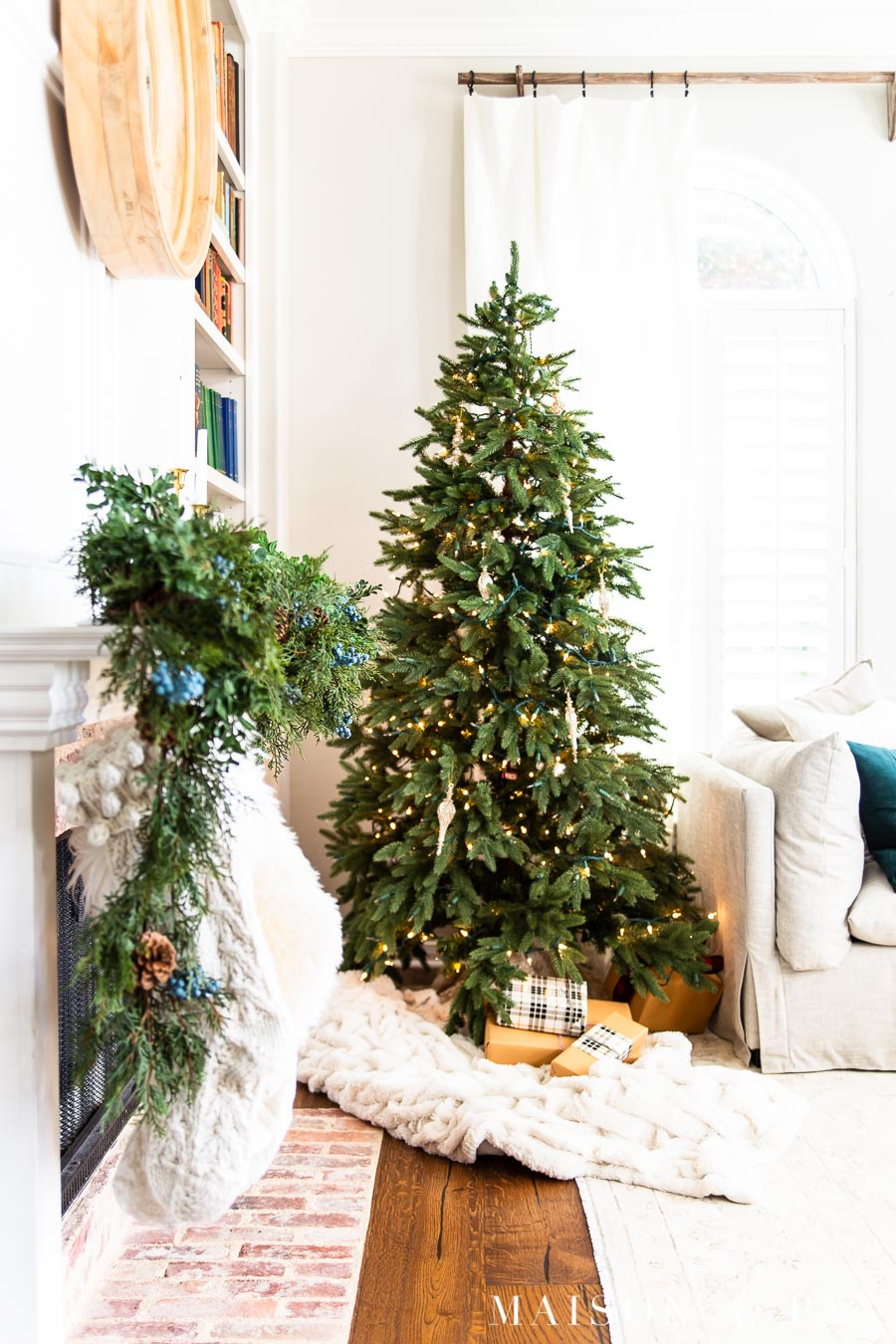 almost naked tree with christmas lights | maison de pax
