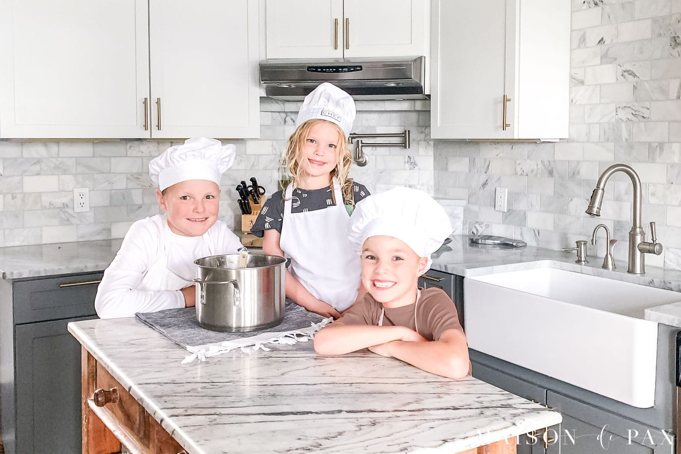 kids cooking in kitchen | Maison de Pax