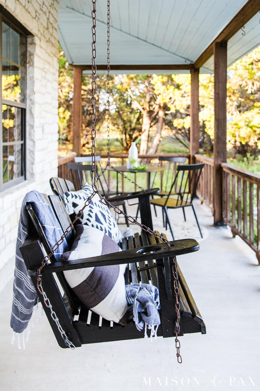 black front porch swing makeover | Maison de Pax