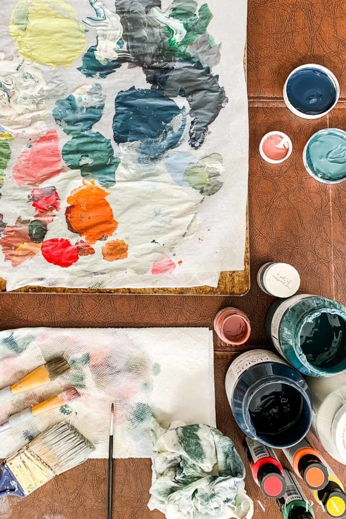 colorful paint palette | Maison de Pax