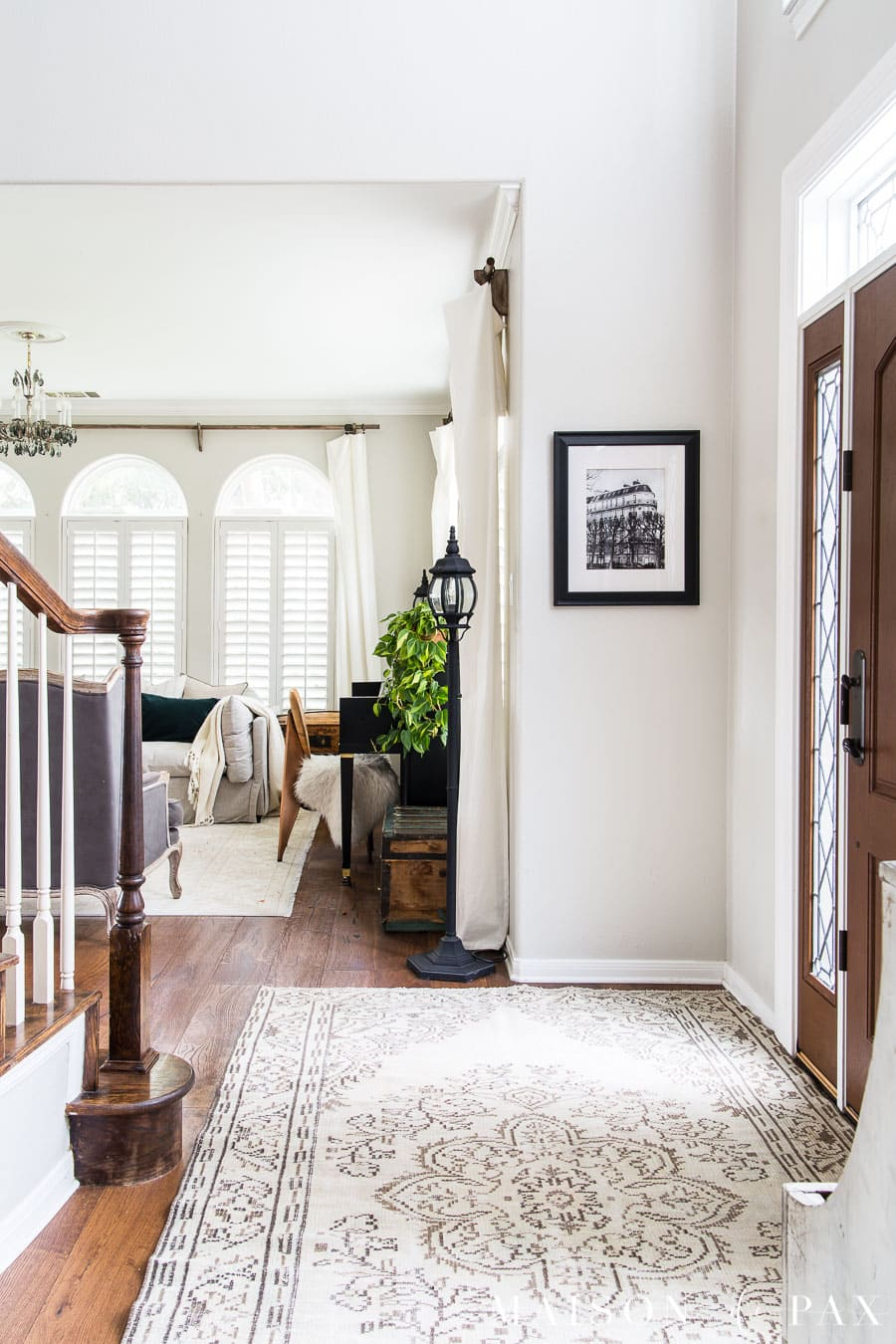neutral entryway with vintage turkish rug | Maison de Pax
