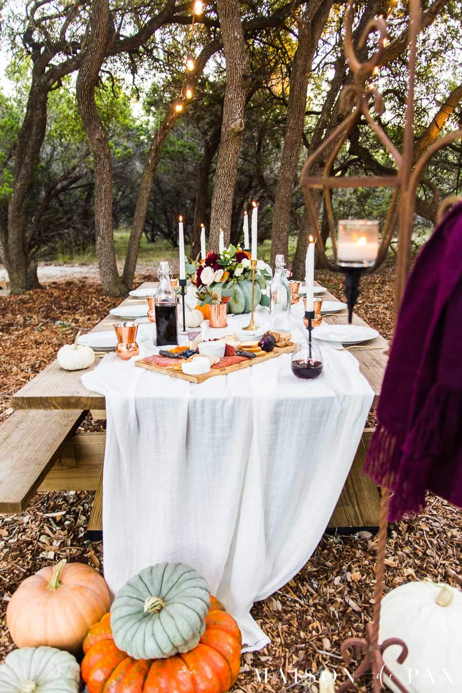 charcuterie board for fall table outdoor friendsgiving | Maison de Pax