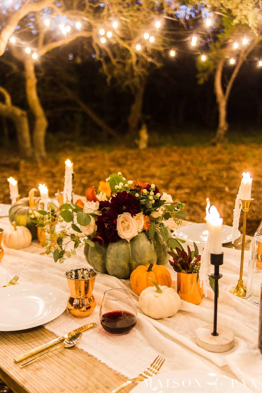 night time outdoor Thanksgiving table | Maison de Pax