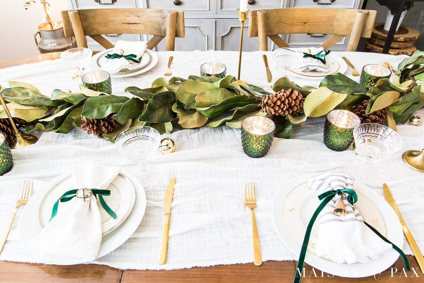 green and gold holiday table | Maison de pax