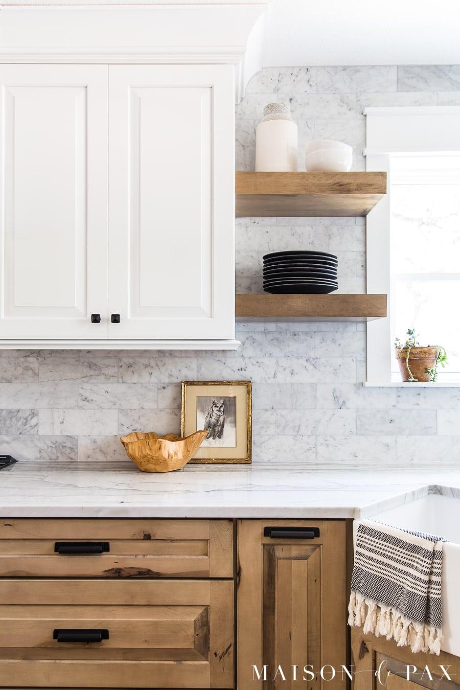 open shelving and honed marble backsplash | Maison de Pax